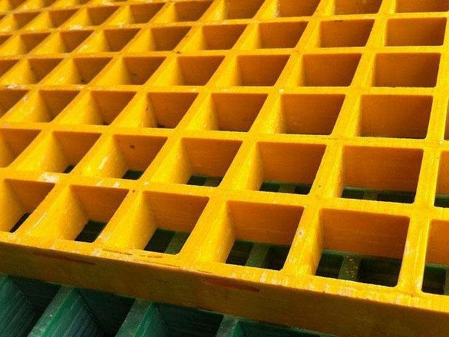 石油化工行业中玻璃钢格栅平台的用途介绍